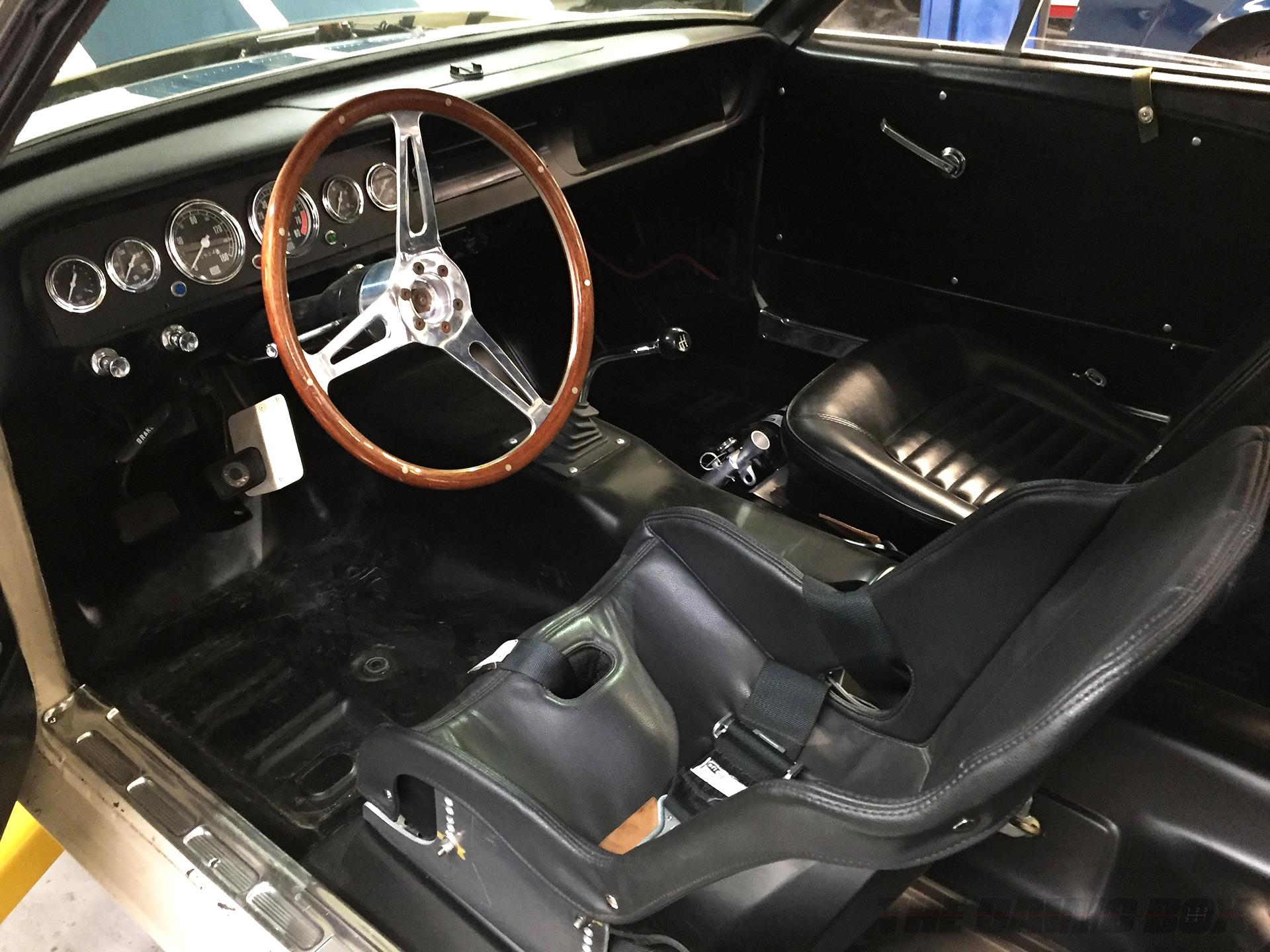 OCV Mustangs, G.T. 350 Cockpit
