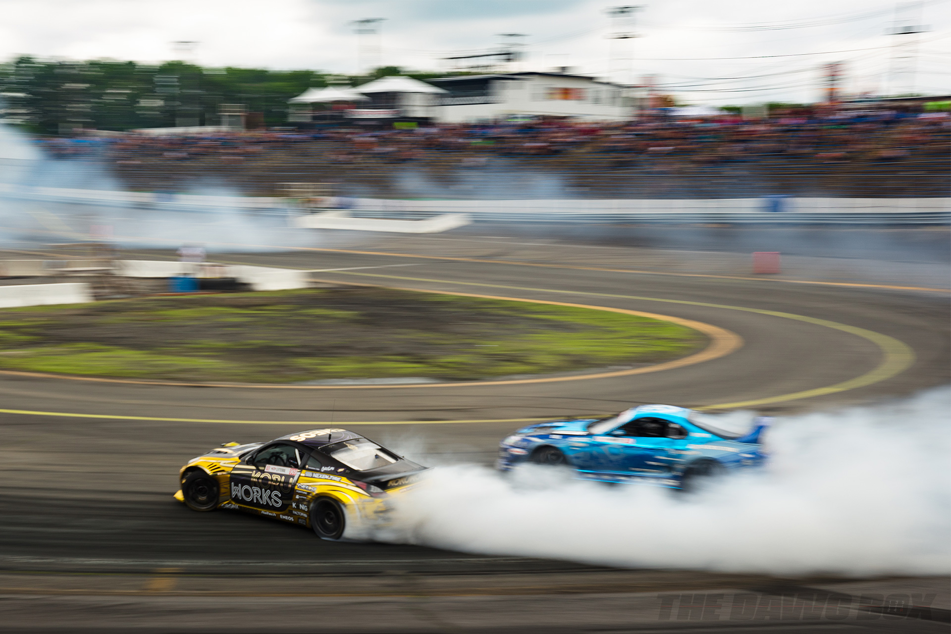 Nissan 350Z and Toyota Supra tandem drifting