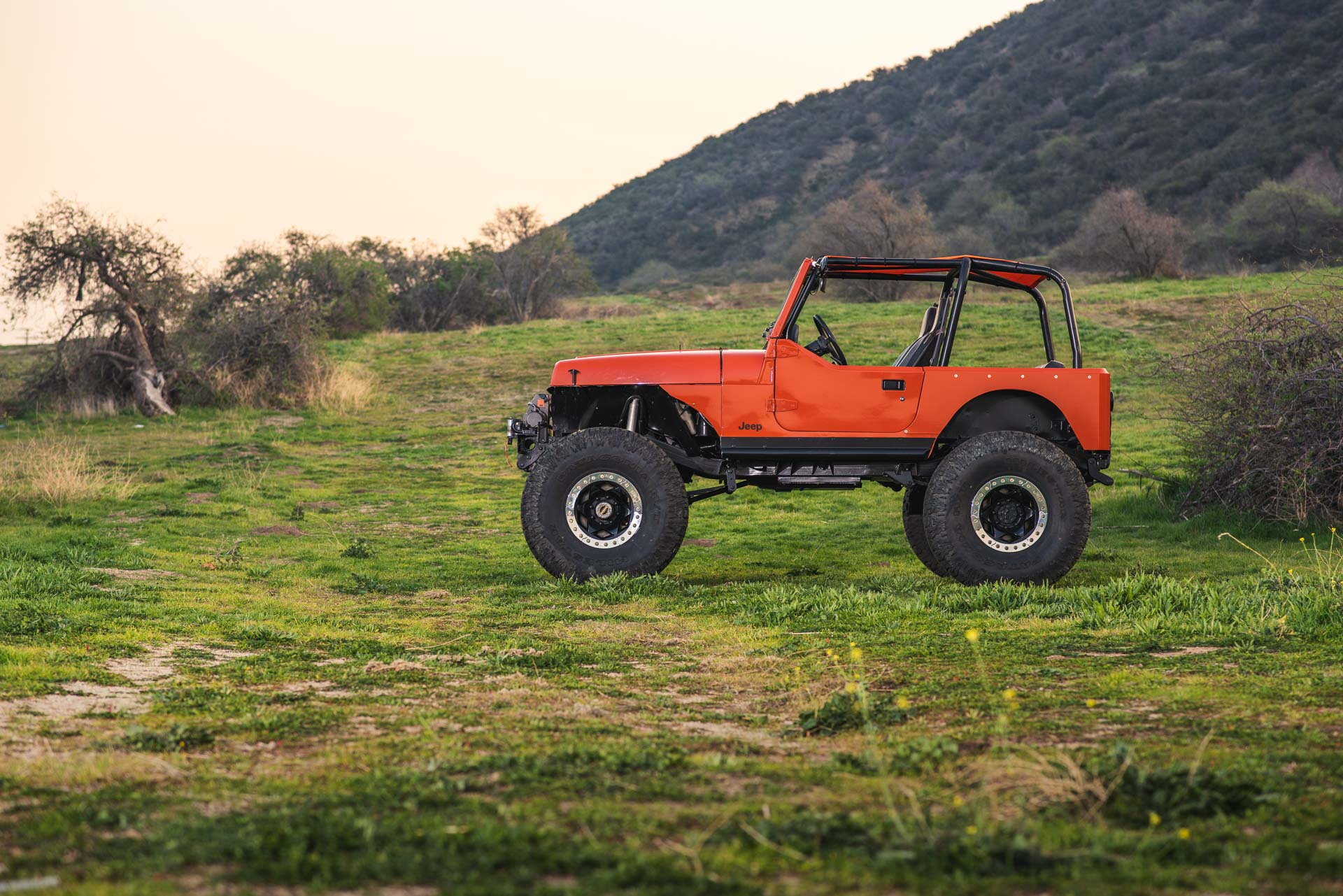 40 inch Patagonia MT tires on Jeep YJ
