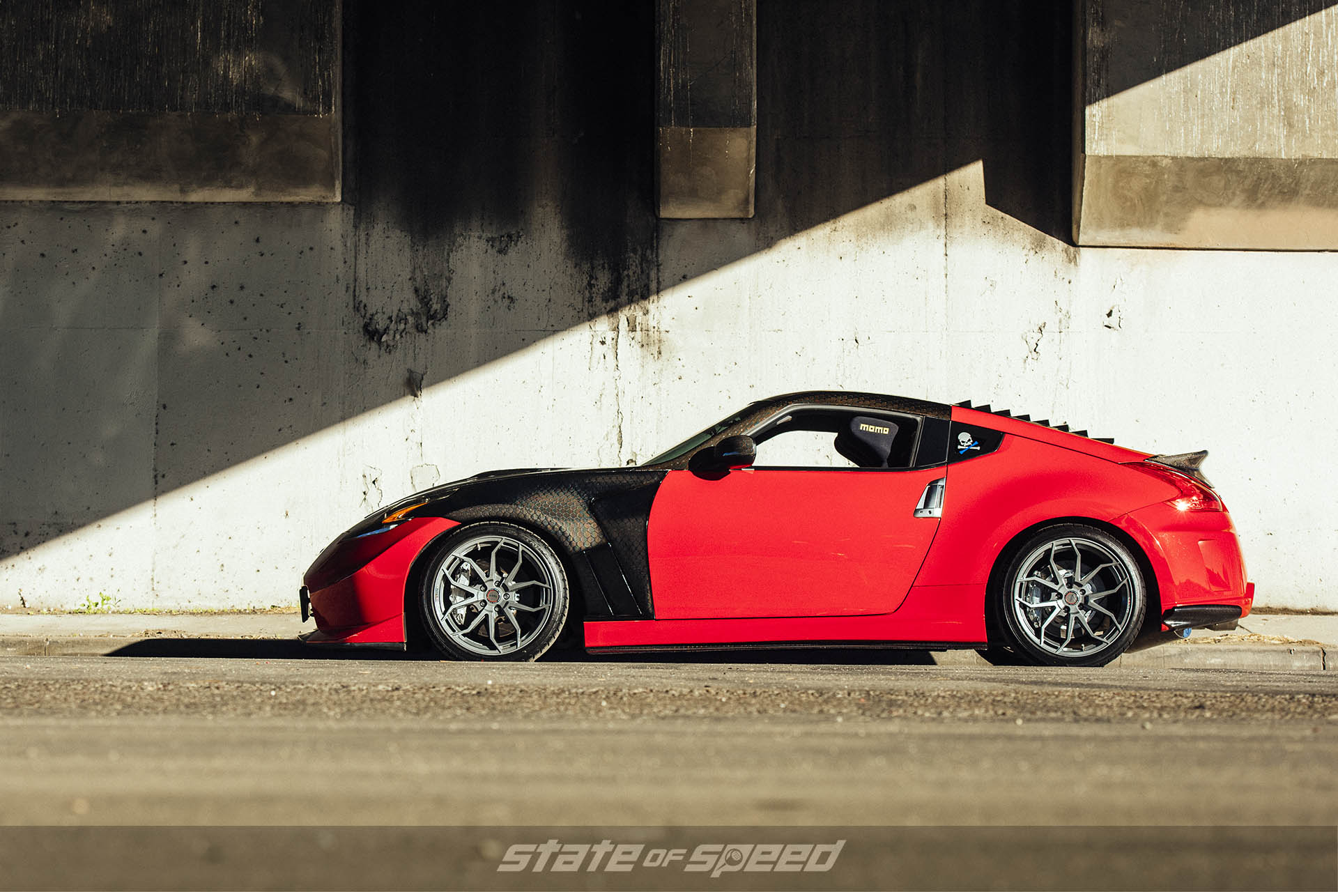 370Z with Momo RF5C Flow formed wheels