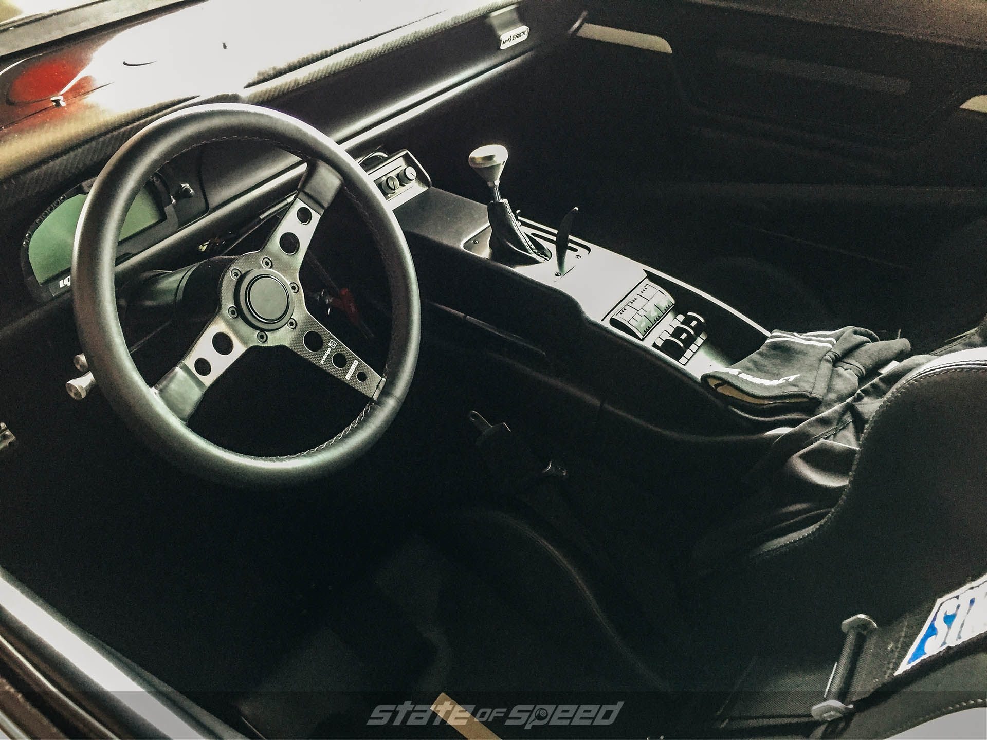 Ford Maverick interior with momo steering wheel