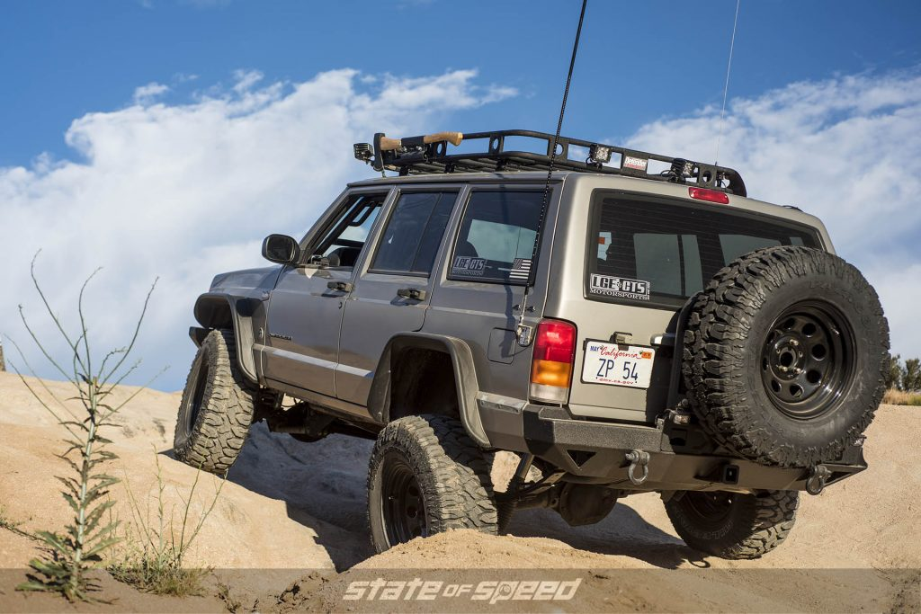 Jeep XJ with rear leaf springs