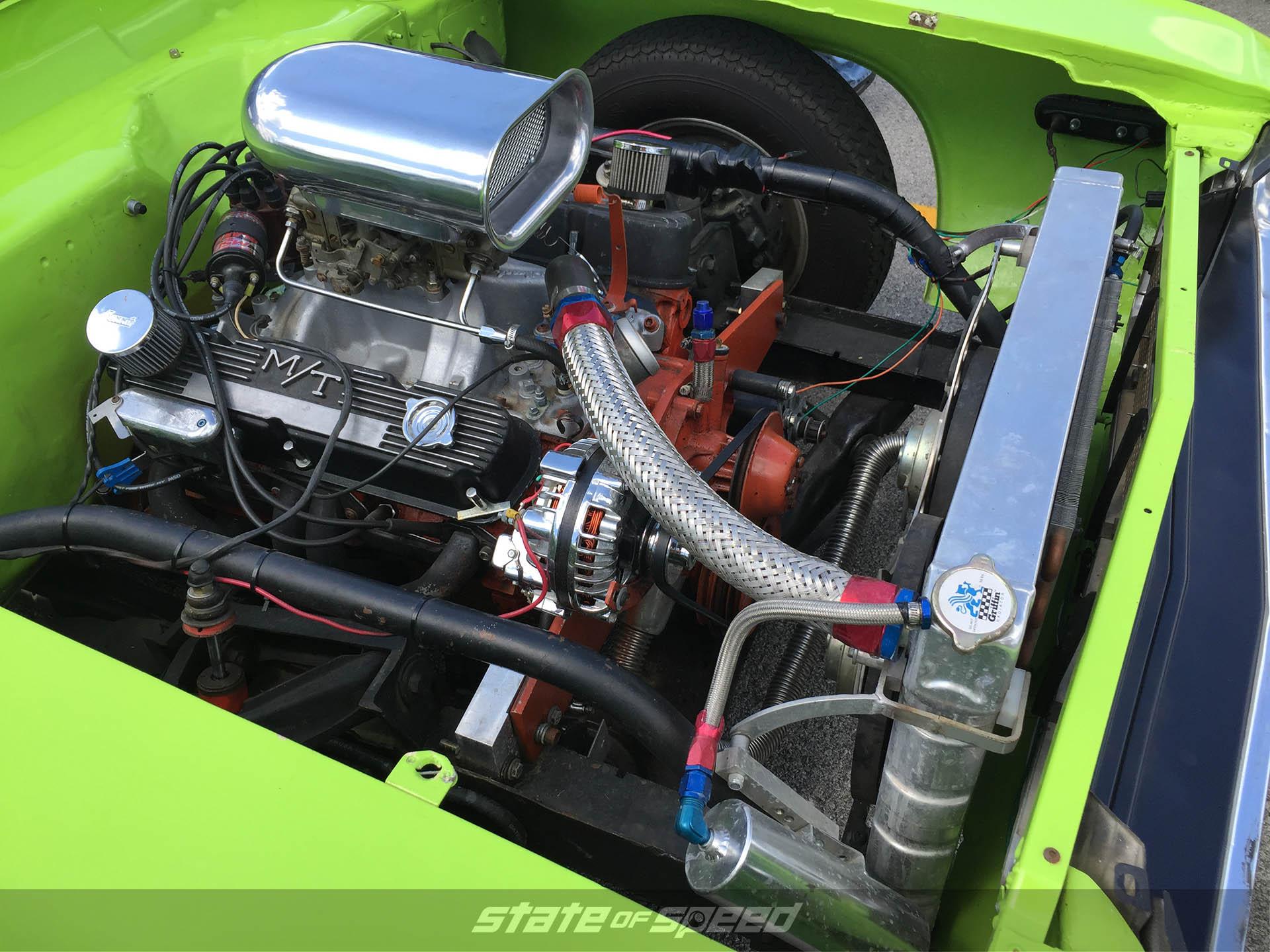 Dodge Challenger Enginebay
