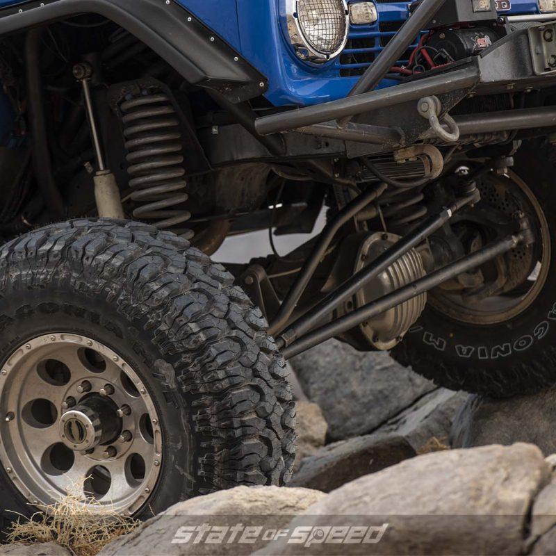 Bronco with pan hard bar on a straight axle