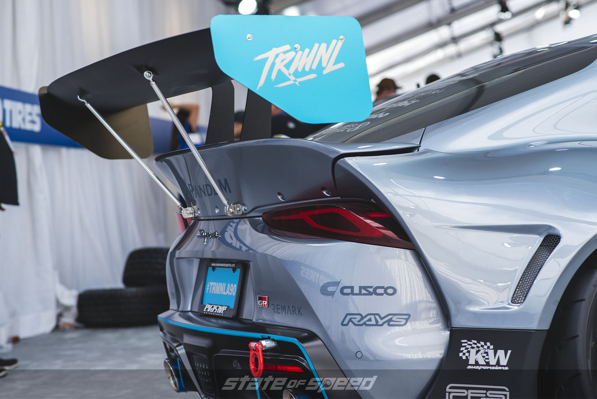 Large adjustable GT wing