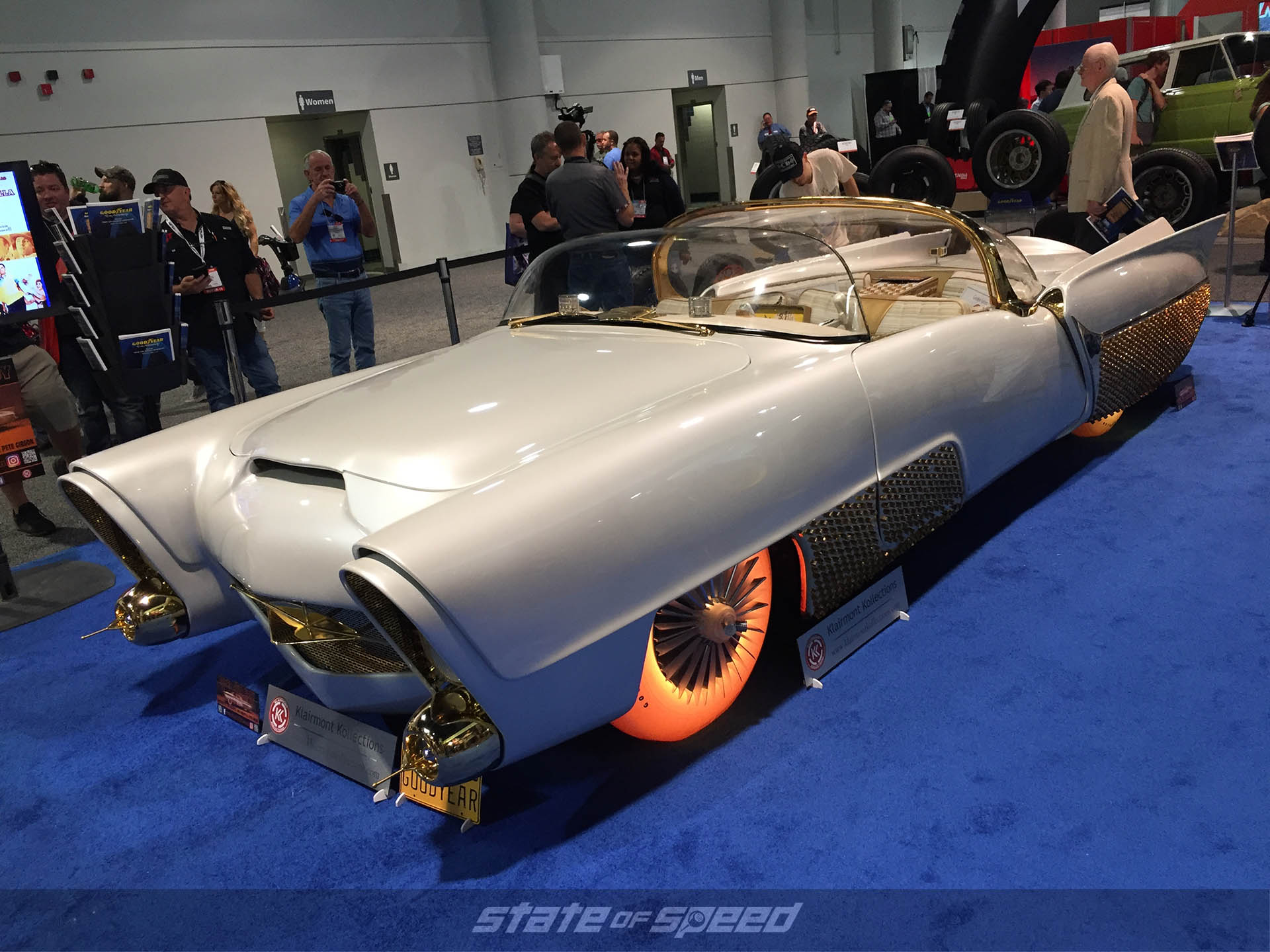 "'53 Lincoln Capri named ""Golden Sahara"" built by ""King of the Kustomizers"" George Barris at SEMA 2019"