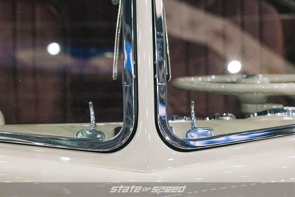 '67 Volkswagen Type II Double-Cab Custom Pickup windshields