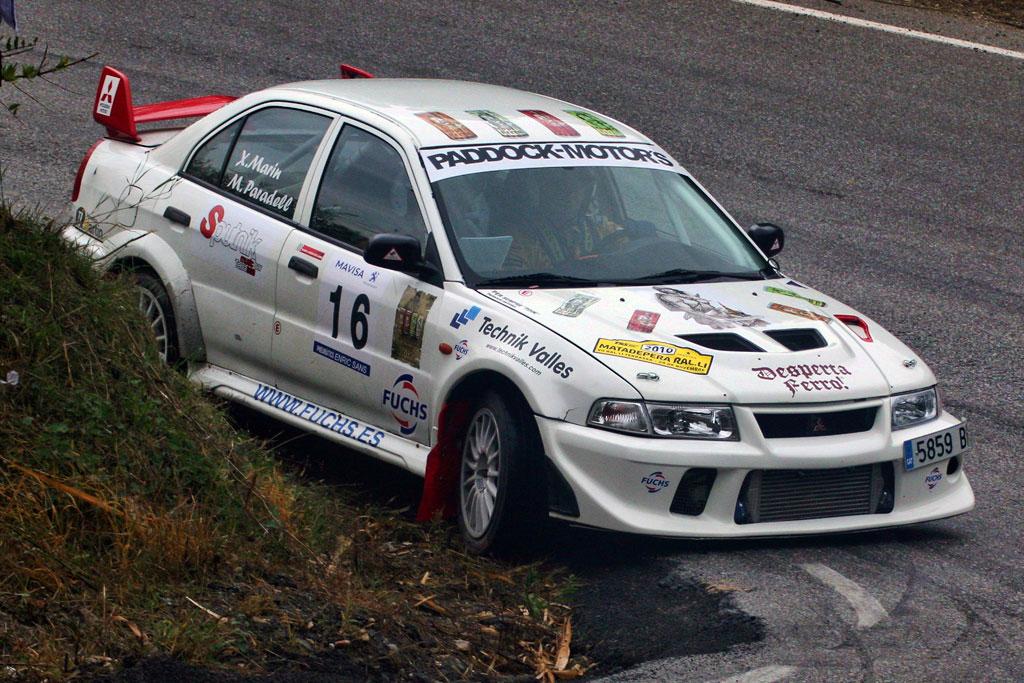 rally car cornering