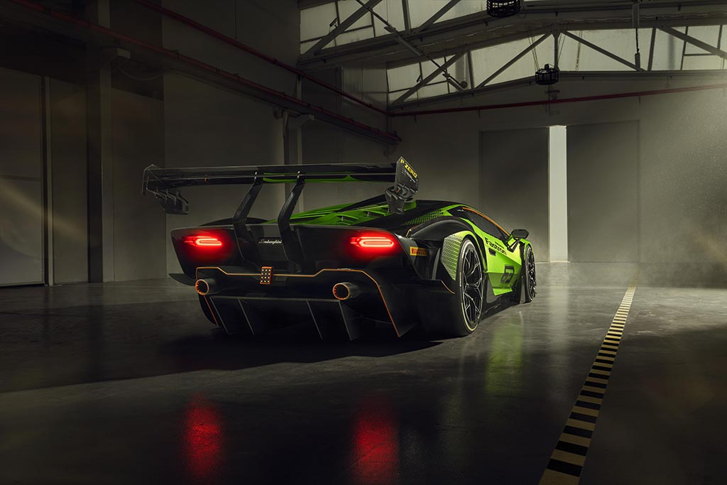 wing on Lamborghini essenza