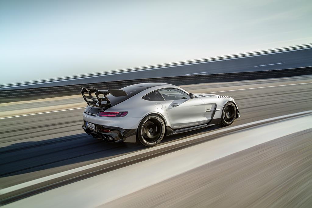 track shot Mercedes amg