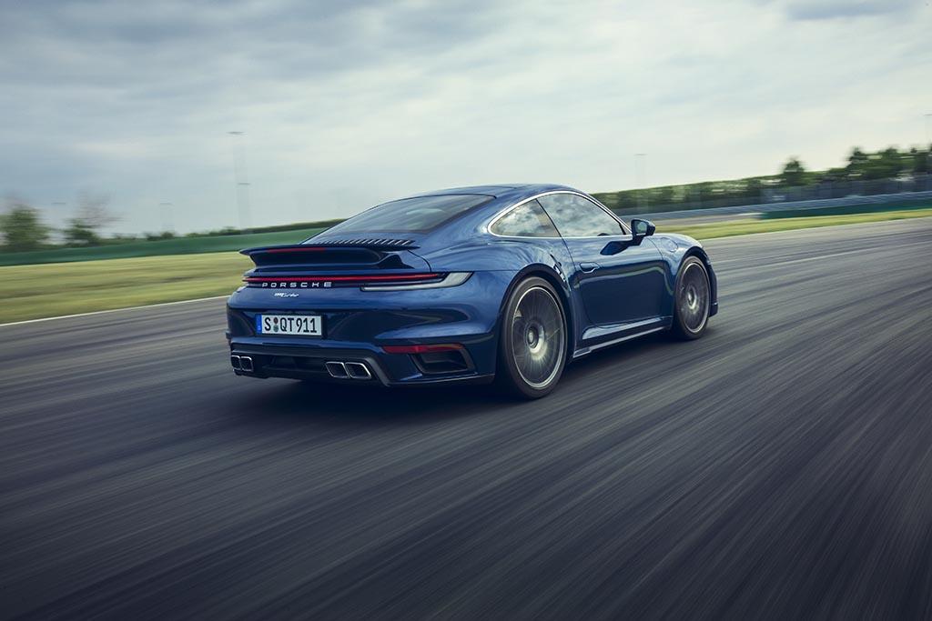porsche 911 turbo on track