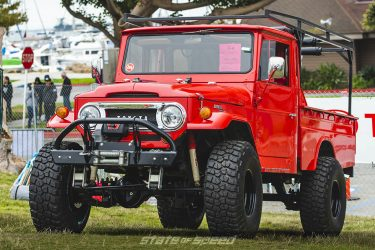 red land rover