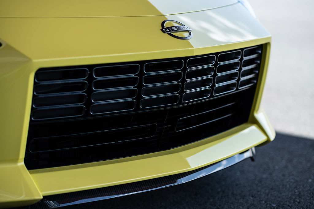 240z style front grille on the Nissan Proto Z