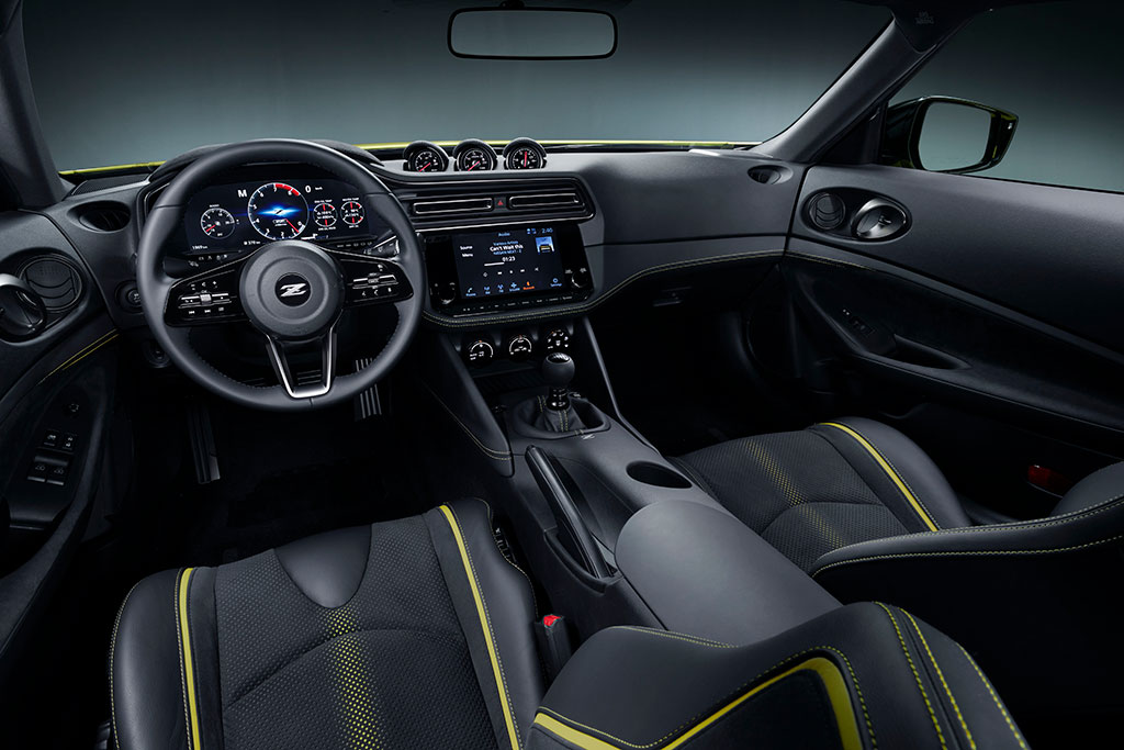 Nissan Proto Z interior with a 6 speed manual transmission