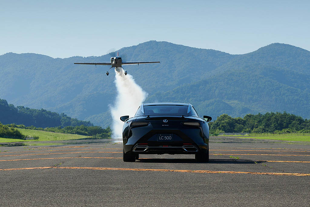 Lexus LC 500 Aviation with airplane
