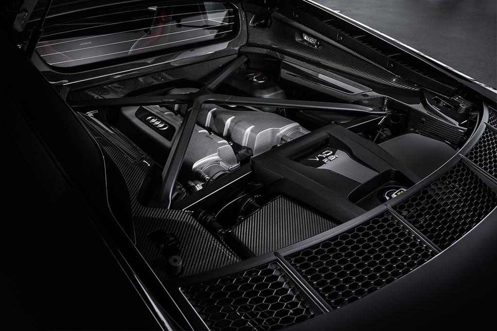 v10 fsi engine in 2021 audi r8 panther