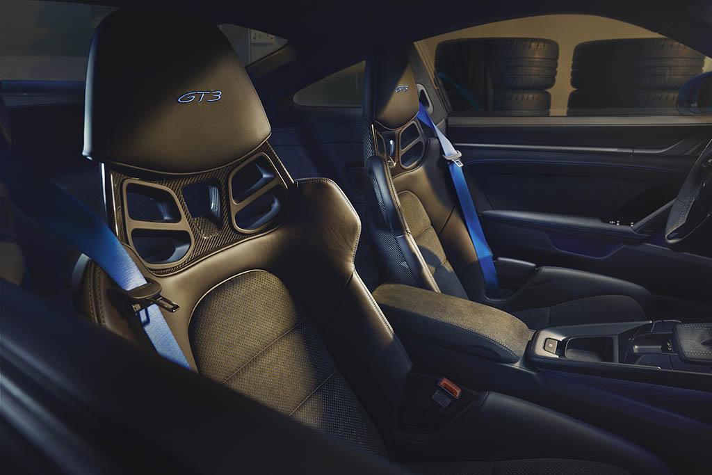 carbon fiber seats in new gt3