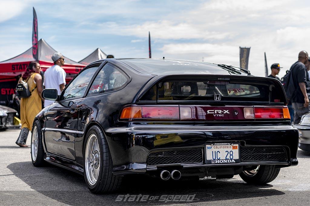 Black honda CR-X rear end